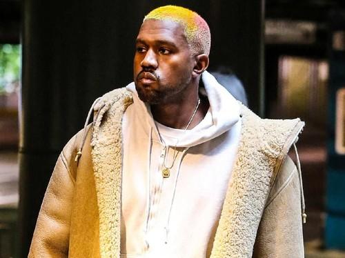 Hijabers Ini Bikin Penasaran Kanye West, Sampai Dicari di Google