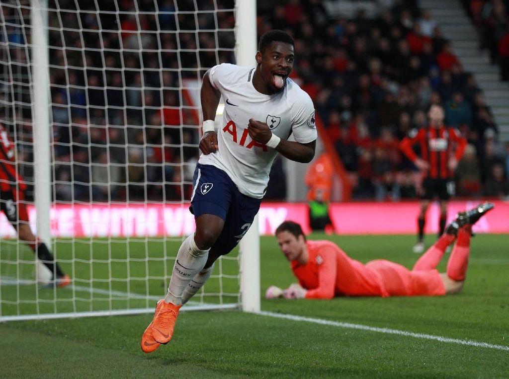 Serge Aurier (Tottenham Hotspur), bek kanan. Membuat assist dan mencetak gol saat Spurs menang 4-1 dari Bournemouth. Dalam tugas defensif, Aurier membuat dua tekel, tiga sapuan, dan tiga intersep. (Foto: Ian Walton/Reuters)