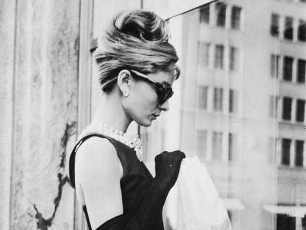 Givenchy Meninggal Dunia, Lihat Deretan Gaun Fenomenal Karyanya
