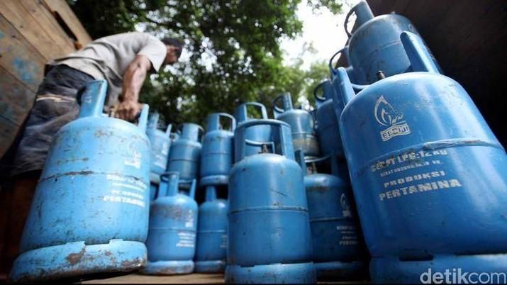 Pertamina mencatat penurunan konsumsi BBM sementara konsumsi LPG melonjak