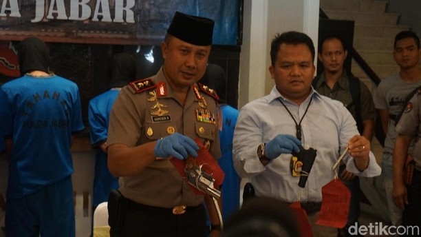 Foto: Pena Ajaib, Senjata yang Dirakit Komplotan Cipacing