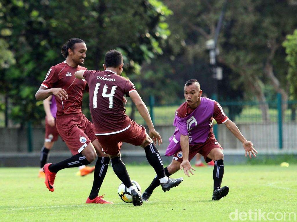 Pelatih Song Lam Nghe An Nguyen Duc Thang sebelumnya menyatakan tidak membawa serta empat pemain intinya saat bertandang ke Stadion Utama Gelora Bung Karno (GBK), Rabu (14/3/2018) malam WIB, dalam matchday keempat Piala AFC.
