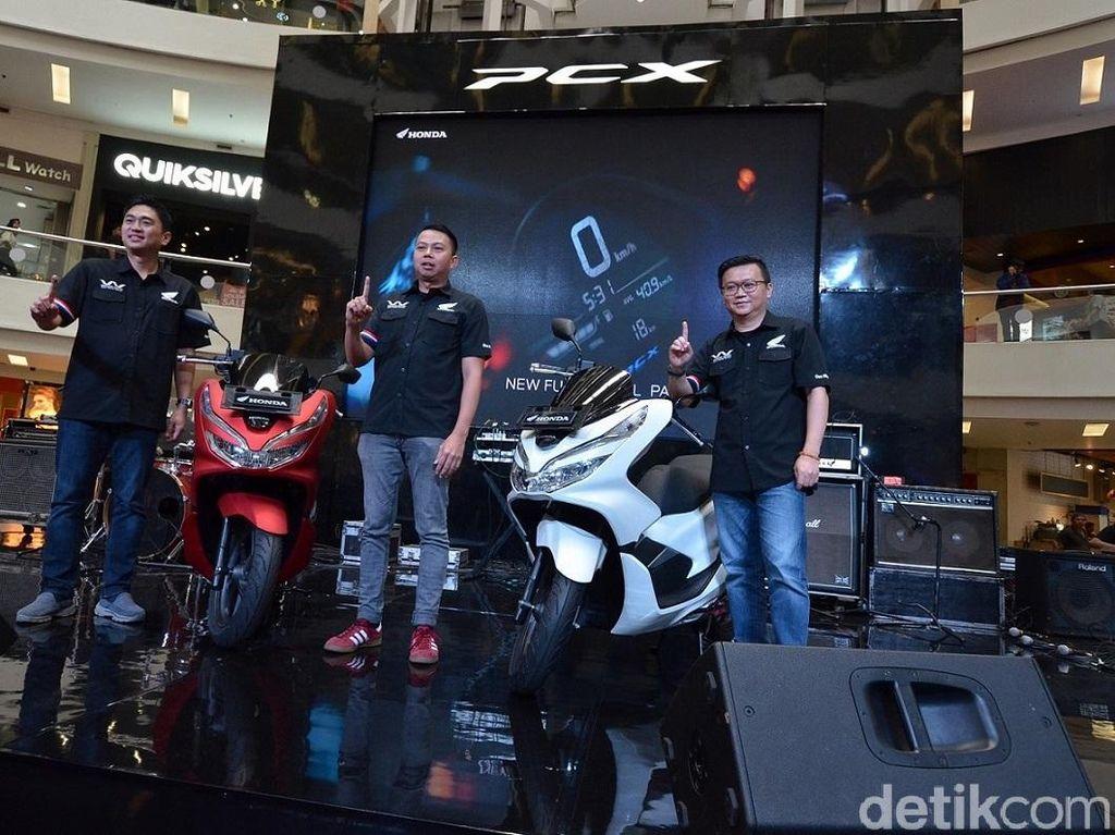 Sejak dikenalkan pada Desember silam, All New Honda PCX dapatkan tanggapan positif konsumen Skutik premium Honda. Foto: Wahana Makmur Sejati