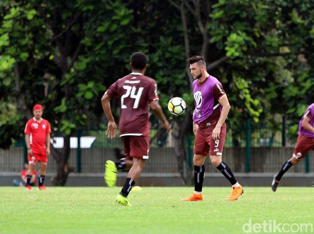 Persija akan menjamu klub Vietnam, Song Lam Nghe An, pada laga keempat Grup H Piala AFC 2018 pada Rabu (14/3/2018) malam.