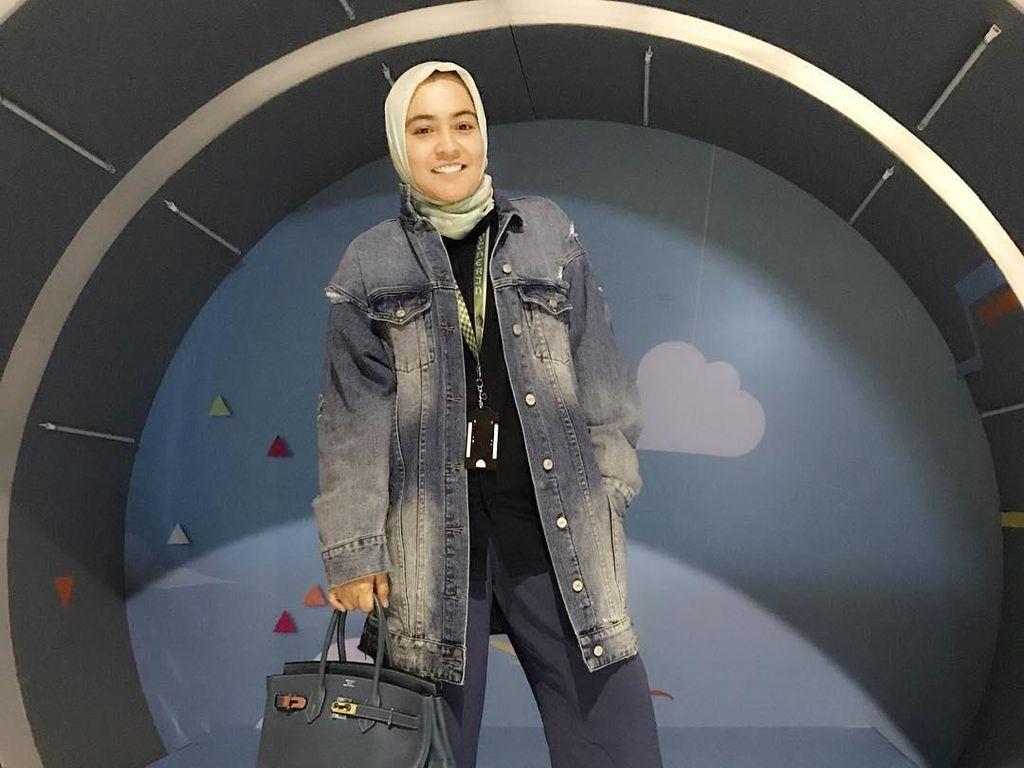 Foto: Gaya Mewah Astrid Kuya yang Bikin Heboh karena Bela Acara Alay