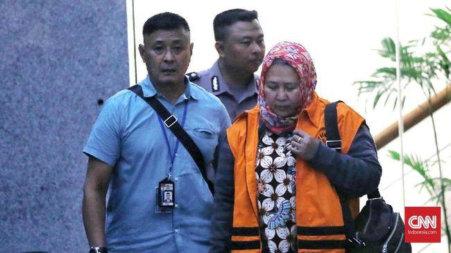 Belum Utuh Raup Suap, Hakim PN Tangerang Sempat Tunda Sidang