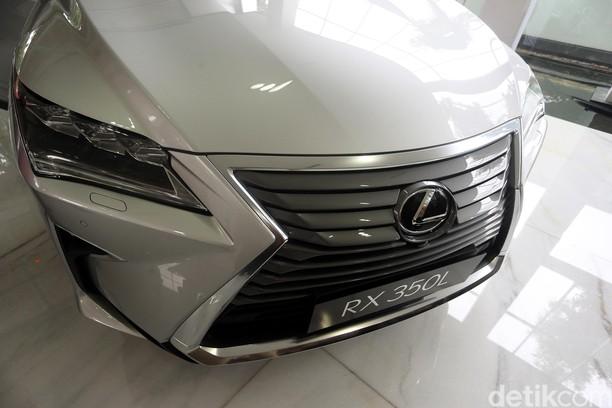 Mobil Keluarga Mewah Lexus