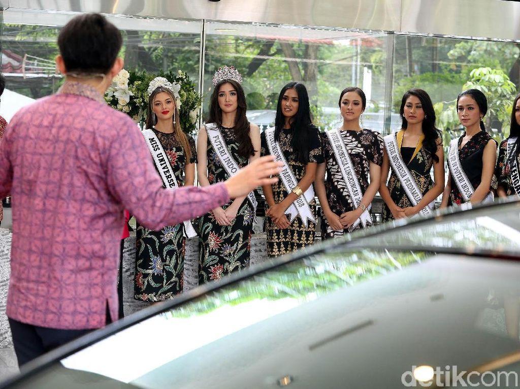 Miss Universe, Puteri Indonesia 2018, Puteri Indonesia Pariwisata 2018, Puteri Indonesia Lingkungan 2018, dan Puteri Indonesia Perdamaian 2018 mendapat penjelasan soal mobil terbaru Lexus.