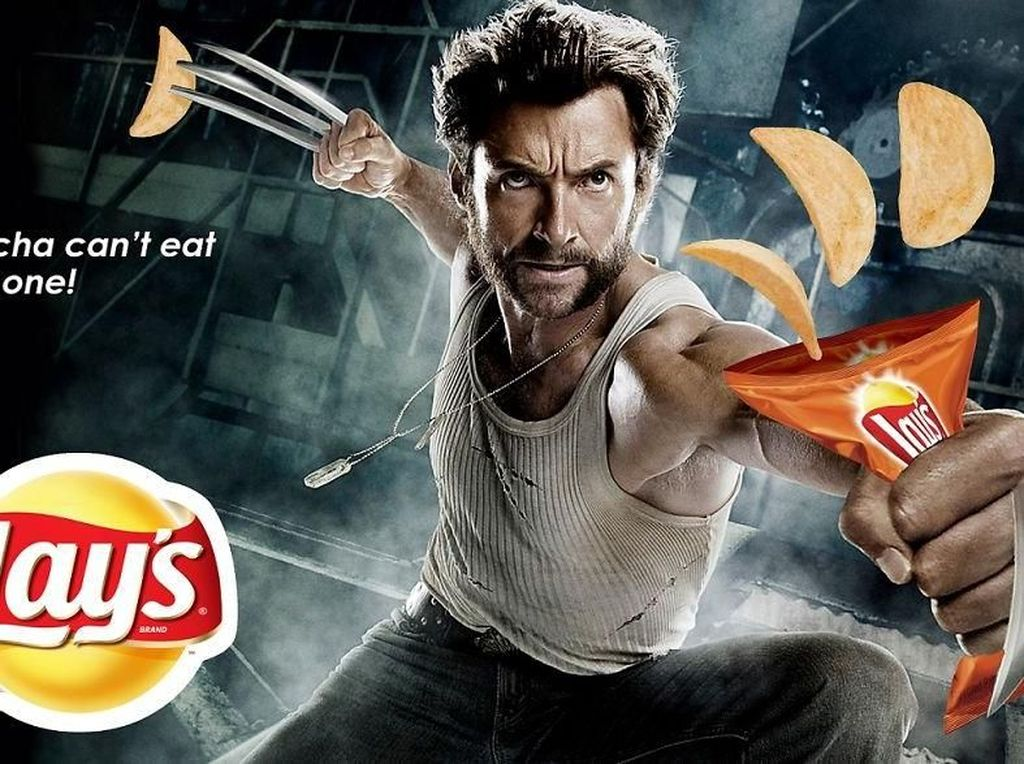 Makanan ringan Lays jadikan Wolverine sebagai bintang iklannya. (Foto: boredpanda)