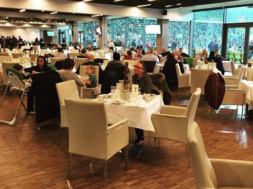Stadion Energa Gdansk juga dilengkapi ruang VIP. Foto: Instagram @stadionenerga