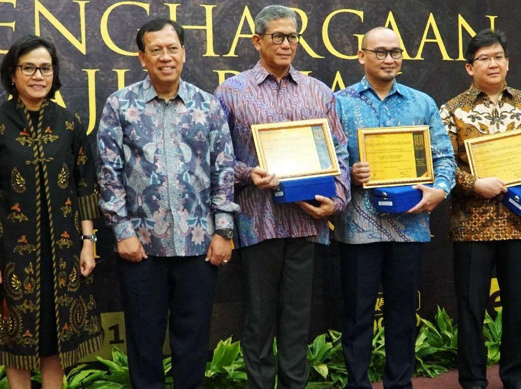 Penyerahan penghargaan dilakukan di Gedung Radjiman Wedyodiningrat, Jakarta, Selasa (13/3/2018). Istimewa/BCA.