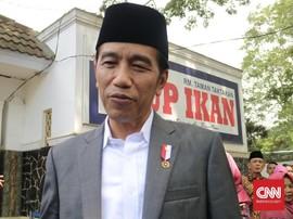 Jokowi Buka Suara Soal Perusakan Bendera Demokrat