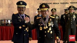Panglima TNI dan Kapolri Diganjar Bintang Kehormatan