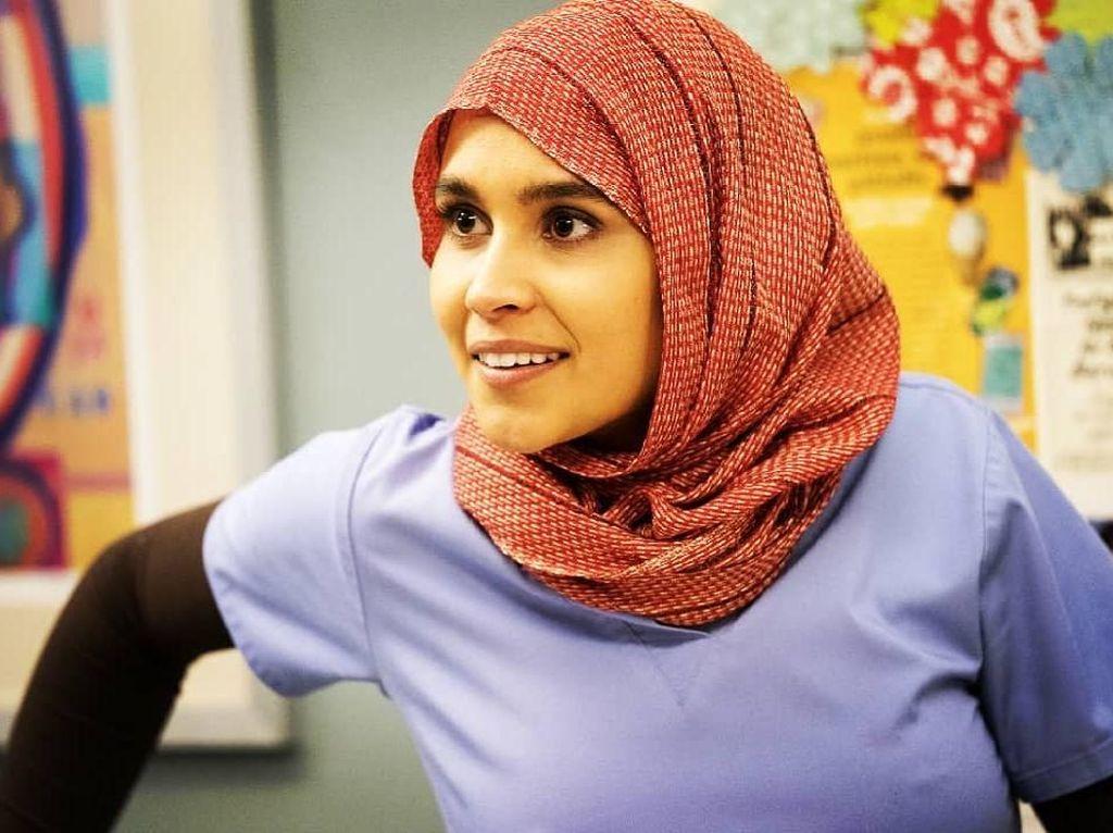 10 Potret Sophia Ali, Dokter Berhijab di Greys Anatomy yang Jadi Sorotan