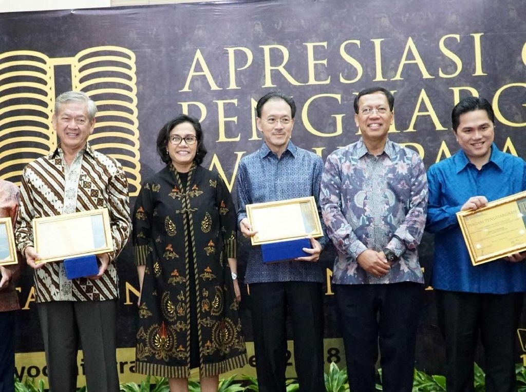 Sebanyak 31 wajib pajak besar meraih apresiasi dan penghargaan atas kepatuhan terhadap peraturan perpajakan dan pencapaian target penerimaan Kanwil DJP Wajib Pajak Besar di tahun 2017. Istimewa/BCA.