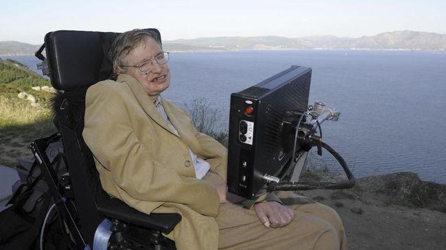 Rahasia Stephen Hawking Bertahan Hidup 50 Tahun dengan ALS