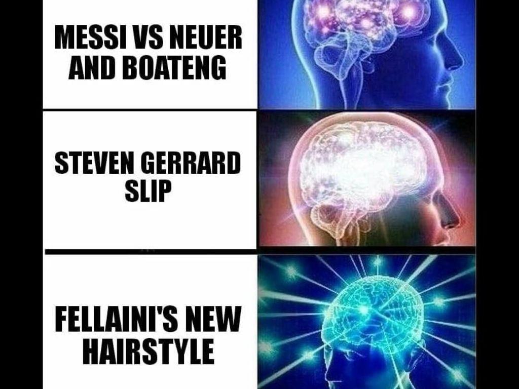 Yang jelas, aksi Fellaini mengubah gaya rambutnya seperti Mickey Mouse adalah sebuah hal yang tak terbayangkan. Melebihi pertanyaan kenapa Steven Gerrard terpeleset, Lionel Messi menggocek Jerome Boateng, atau David Beckham melepaskan tendangan bebas indahnya. (Foto: Instagram @pl_barca_fan)