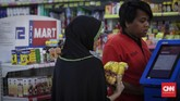 Prinsipnya yang syariah membuat 212 Mart tidak menjajakan produk-produk yang bertentangan dengan syariat Islam, seperti minuman beralkohol, alat kontrasepsi, dan rokok. (CNNIndonesia/Safir Makki).