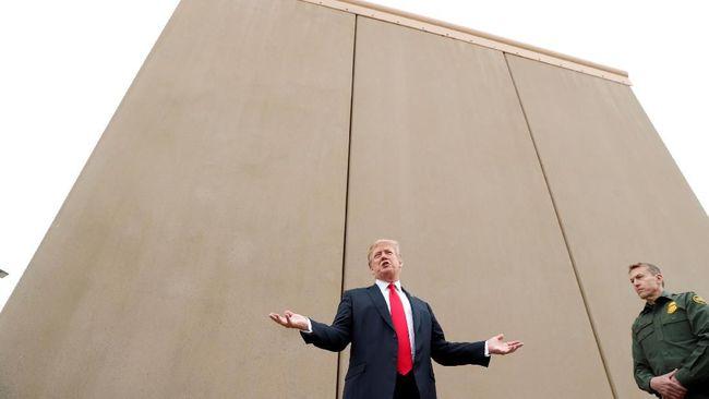 Trump Cek Delapan Pilihan Model Tembok Meksiko
