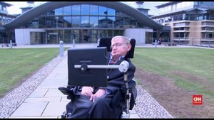 VIDEO: Keterbatasan Tak Hentikan Stephen Hawking