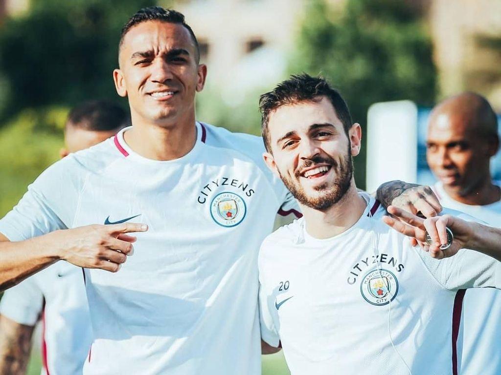 Begitu juga dengan Danilo dan Bernardo Silva. Foto: Instagram @mancity