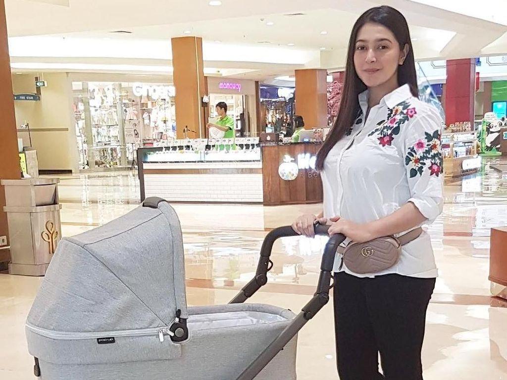 Deretan Stroller Mewah Anak Artis Indonesia, Ada Seharga DP Mobil