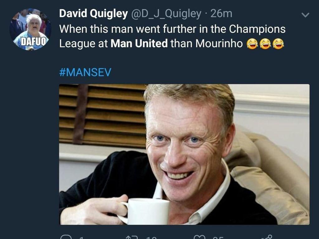 Mourinho juga harus malu pada David Moyes, yang bisa mengantar MU ke perempatfinal Liga Champions pada 2014. Prestasinya lebih baik ketimbang Mourinho ternyata. (Foto: Twitter @D_J_Quigley)