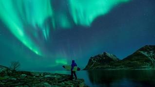 FOTO: Menghadang Ombak Beku Lingkar Arktik