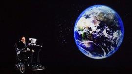 FOTO: Mengenang Stephen Hawking Lewat Teori Alam Semesta