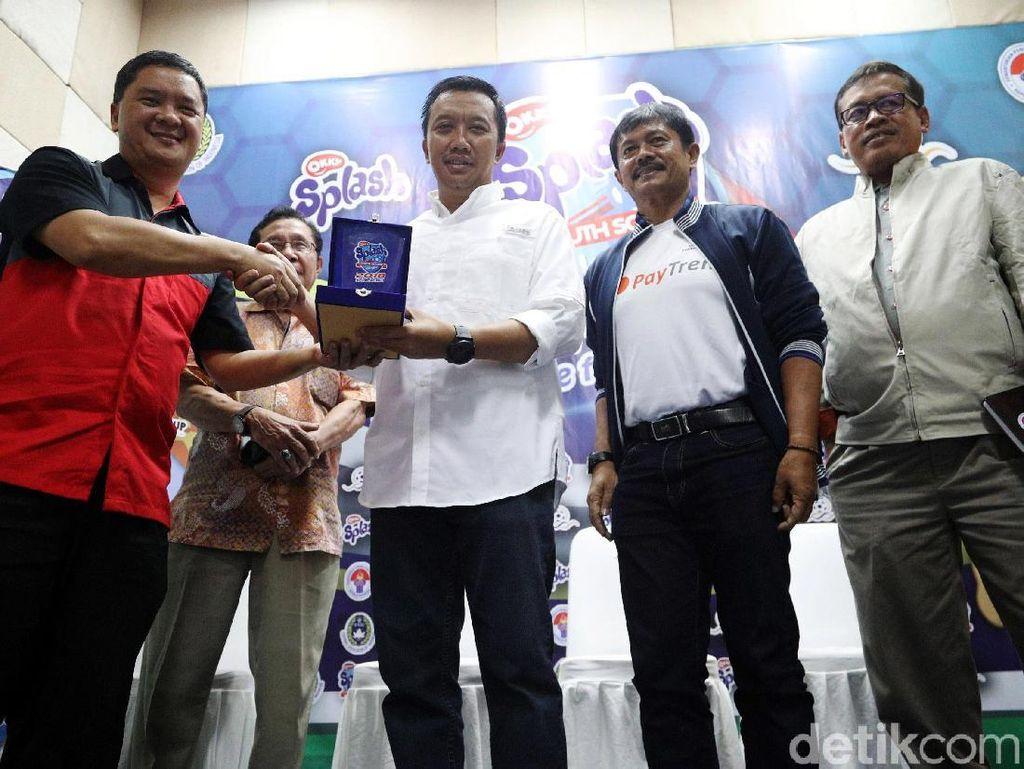 Okky Splash Youth Soccer League 2018 merupakan kompetisi sepakbola anak-anak usia U-12 yang akan diselenggarakan di 6 kota.