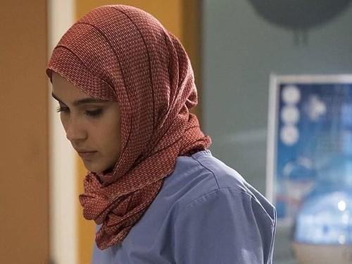 Alasan Menyentuh dari Adegan Lepas Hijab Greys Anatomy yang Bikin Heboh