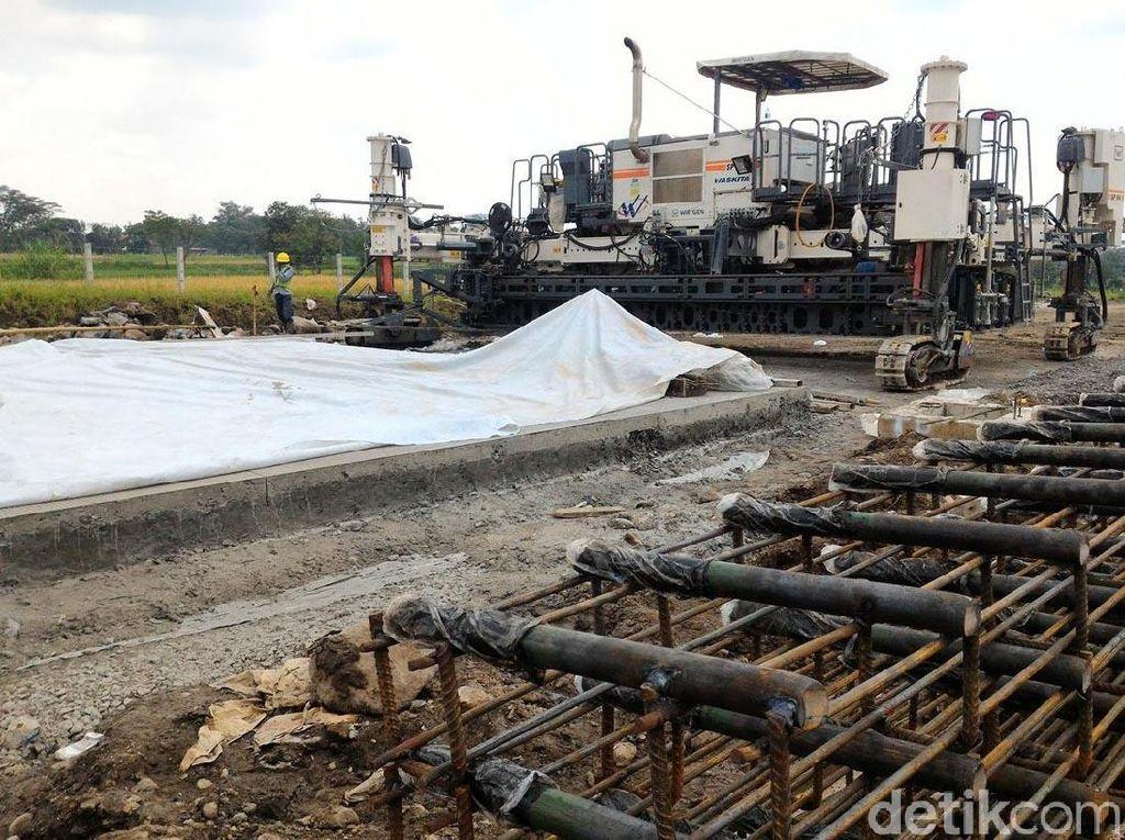Ditargetkan pada Lebaran tahun ini jalan tol tersebut sudah bisa digunakan untuk arus mudik. Khusus yang di wilayah Boyolali, proses pengerjaan saat ini telah mencapai 60-an persen.