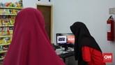 Hingga awal Maret ini, gerai 212 Mart mencapai 101 cabang yang tersebar di Bogor, Bekasi, Depok, Jakarta, Tangerang, Cirebon, hingga Bandung. Namun, belum diketahui jumlah seluruh anggota koperasi syariah ini.(CNN Indonesia/Hesti Rika).