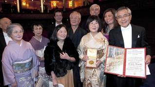 Penerima Nobel Kimia Bingung Tersesat, Istrinya Wafat
