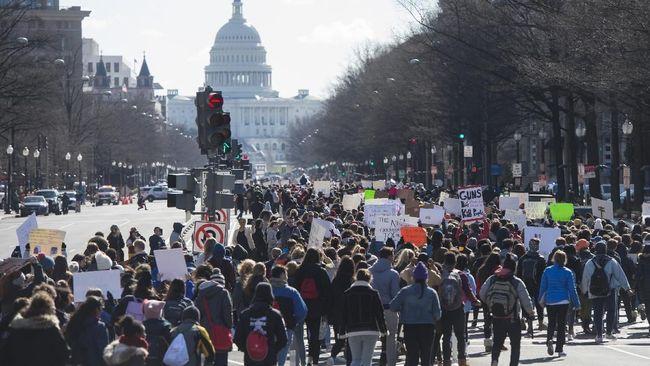 Ribuan Siswa AS Bolos Demi Demo Aturan Senjata