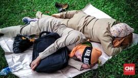FOTO: Yang Tertidur dan Lelap di Sudut Kota
