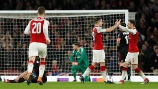 FOTO: Arsenal Membuka Jalan ke Tangga Juara