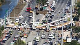 Jembatan di Florida Ambruk, Beberapa Orang Diduga Tewas