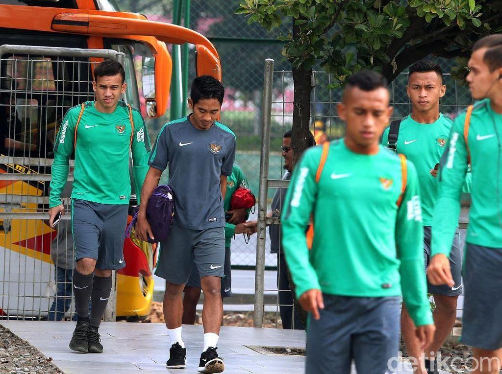 Tim itu nantinya akan melakukan laga uji coba melawan timnas Jepang U-19 di Stadion Utama Gelora Bung Karno (GBK), Jakarta atau Stadion Pakansari, Cibinong.