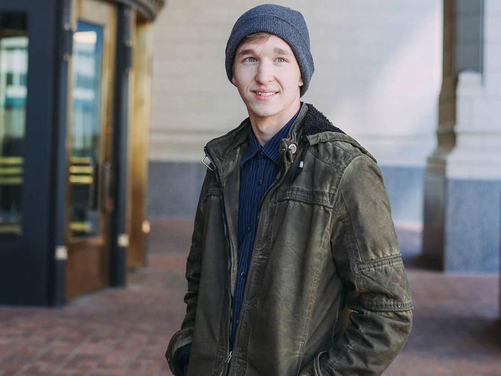 Ini Ben, Cowok Ganteng yang Viral karena Dicium Katy Perry di American Idol