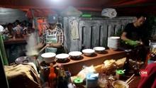 VIDEO: Atraksi Sirkus di Warung Mi Ayam Yogyakarta