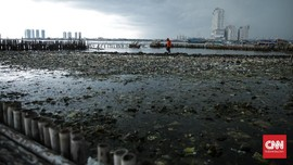 Lautan Sampah di Teluk Jakarta