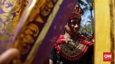 Ogoh-ogoh ditampilkan diringi dengan musik gamelan khas Bali yaitu baleganjur dan dikoreografikan dalam cerita dengan tari-tarian Bali. (CNN Indonesia/ Hesti Rika)