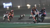Pebalap Pramac Danilo Petrucci dan pebalap Movistar Yamaha Maverick Vinales pada babak kualifikasi MotoGP Qatar. Vinales mengalami kesulitan(AFP PHOTO / KARIM JAAFAR)