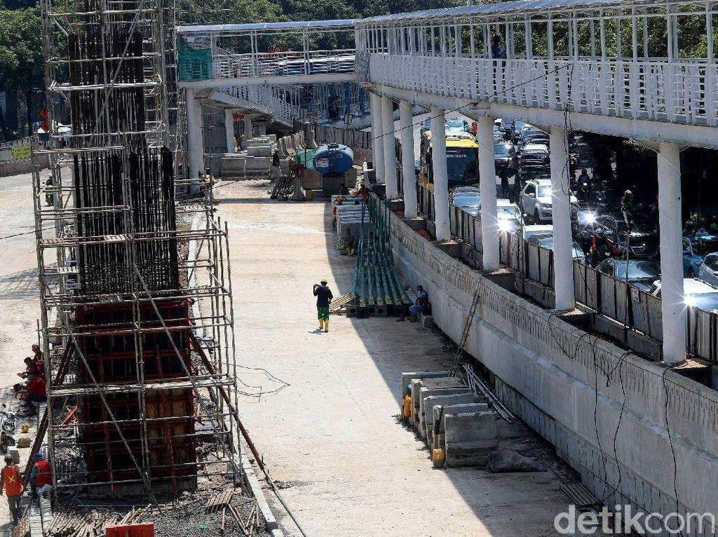 Jika sudah rampung, diharapkan underpass ini bisa mengurai kemacetan di Jalan Raya Mampang.