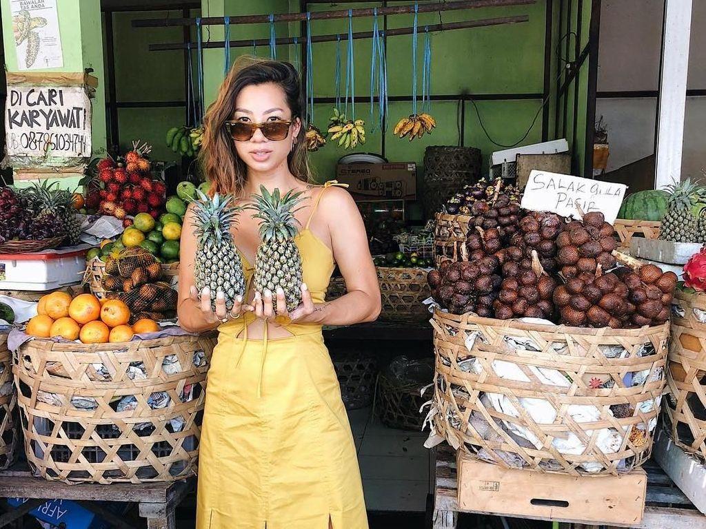 Tinggal di Bali, Intip Gaya Makan Sehat Jennifer Bachdim