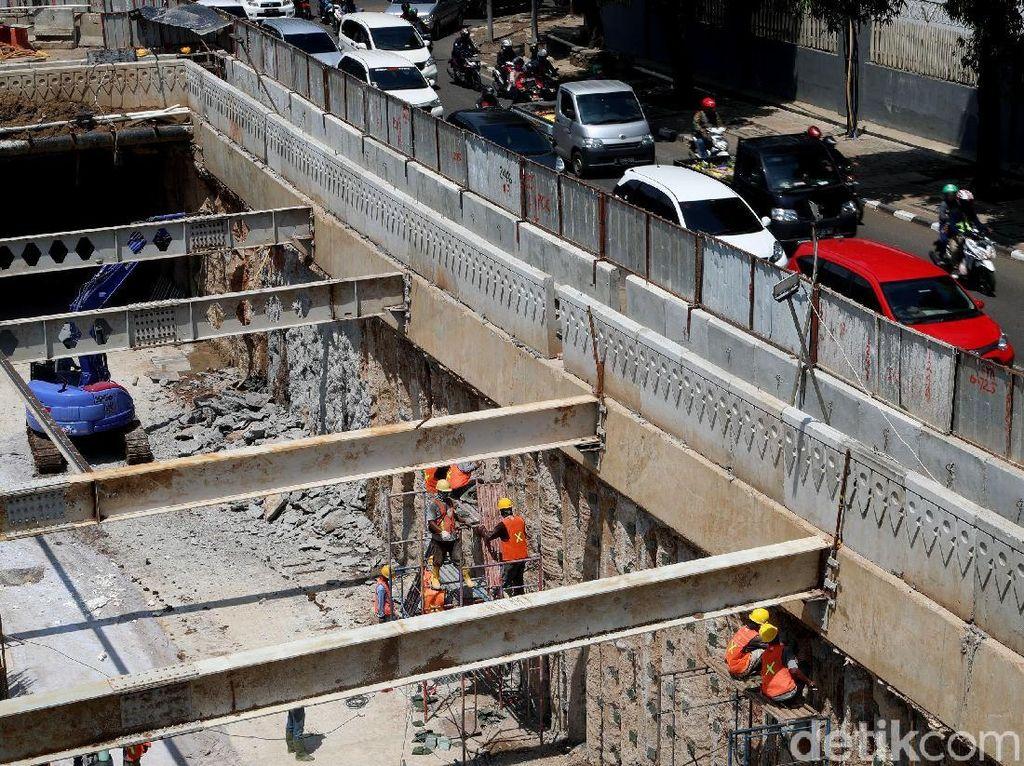 Kepala Dinas Bina Marga Yusmada Faizal mengatakan, dalam proses pengerjaan underpass tidak ada kendala. Kesiapannya hanya tinggal pemasangan lampu artistik hingga panel penutupan bor pile.