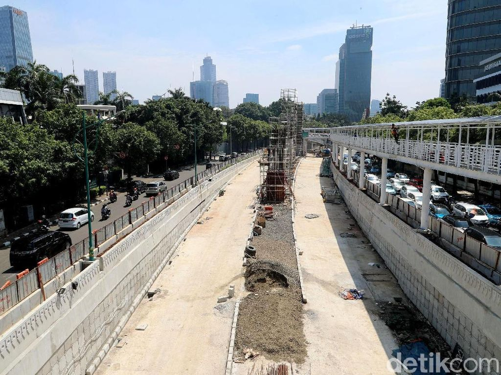 Proyek jalan bawah tanah tersebut terbentang sejauh 855 meter.