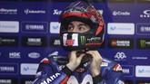 Rekan setim Valentino Rossi, Maverick Vinales, mengalami hasil buruk di babak kualifikasi MotoGP Qatar dan harus start dari posisi ke-12. (AFP PHOTO / KARIM JAAFAR)
