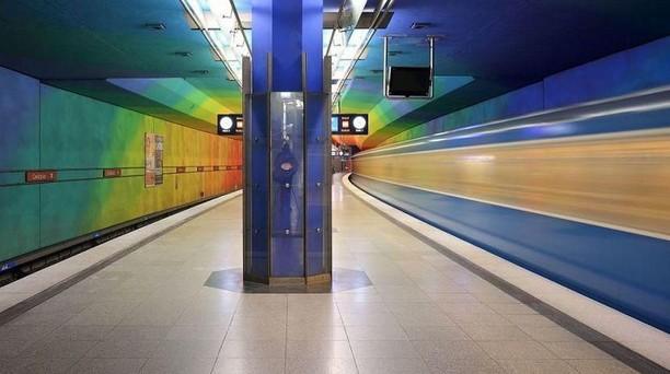 Nyeni Banget! Stasiun Kereta Bawah Tanah Ini Bikin Betah